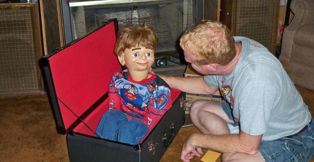 Une sortie en famille pour voir un spectacle de ventriloque